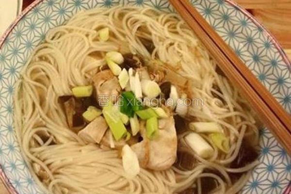 辣椒鸡清汤面的做法