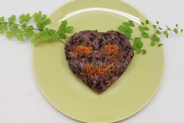 素甘松紫米饭团的做法