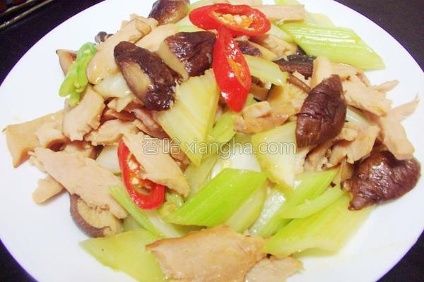 芹菜香菇烟燻鸡片的做法