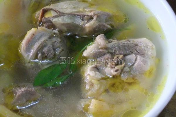 姜蒜鲜鸡汤的做法