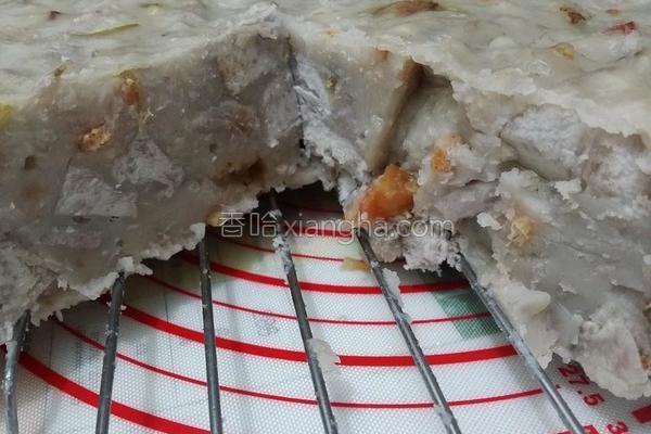 港式腊味芋头糕的做法