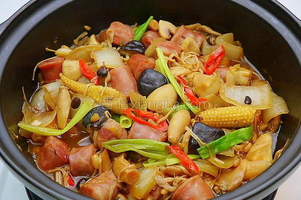 香肠什菇煲的做法