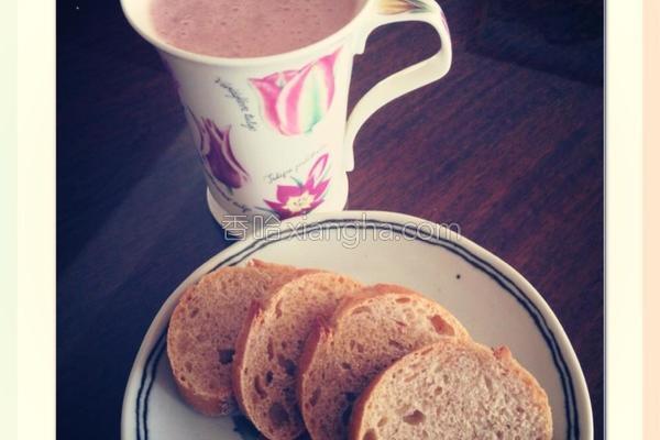 香蕉草莓牛奶的做法