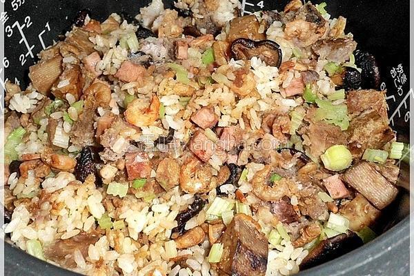 香菇芋头炊饭的做法