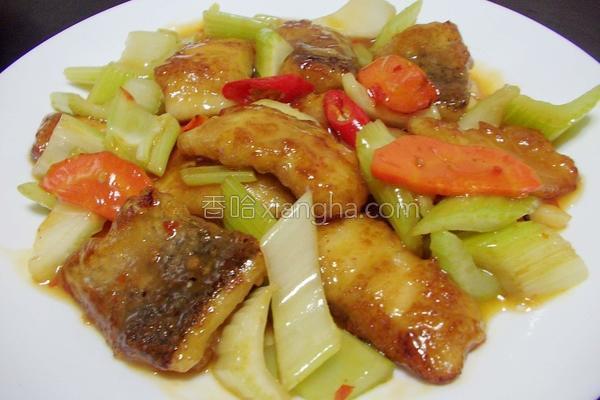 芹菜鲈鱼片的做法