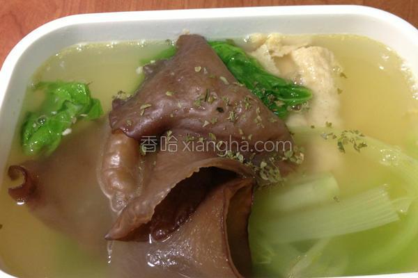 豆皮木耳蔬菜汤的做法
