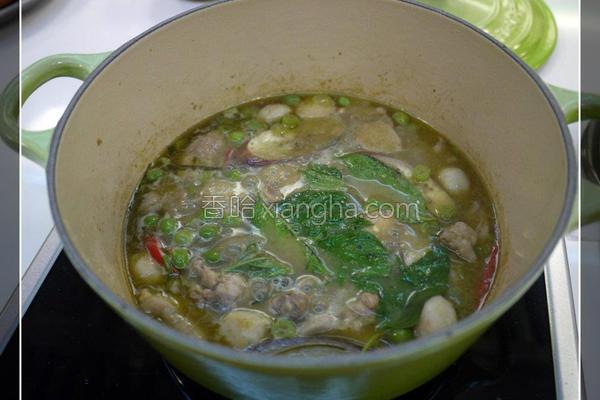 椰浆绿咖哩鸡肉的做法