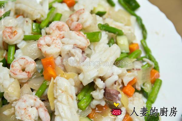 芦笋炒三鲜的做法