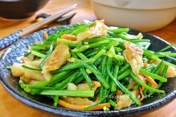 炒韭菜花甜不辣的做法