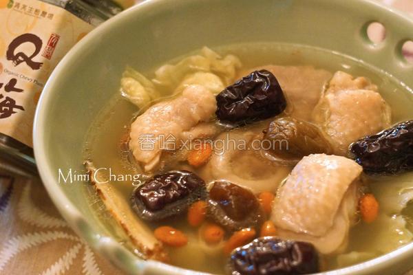 机Q梅红枣鸡汤的做法