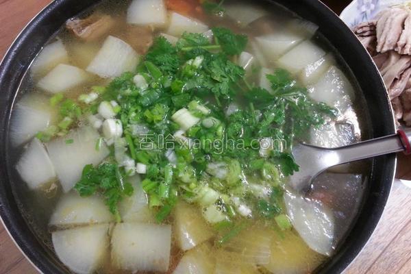 番茄萝卜牛腩汤的做法