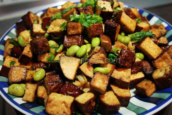毛豆炒豆干丁的做法