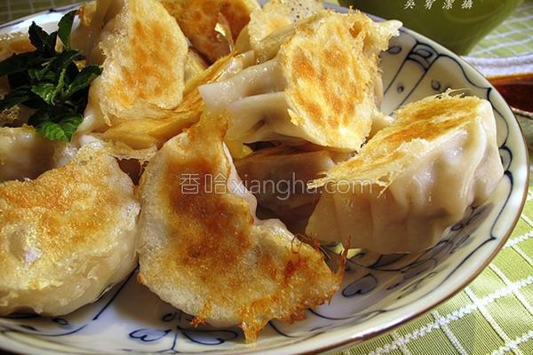 青葱香菇猪肉饺的做法