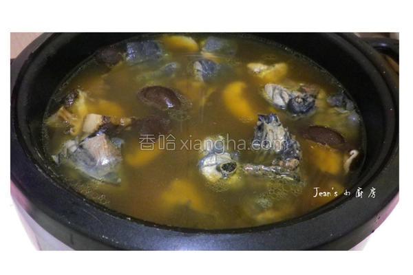 香菇乌骨鸡汤的做法