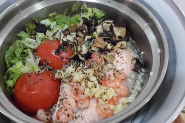 鲑鱼虾仁番茄饭的做法