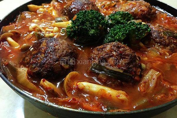 泡菜炖肉丸子的做法