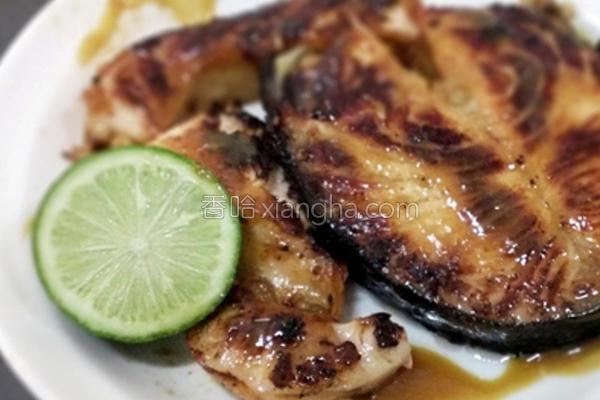 烹饪蜂蜜味噌鲑鱼的做法