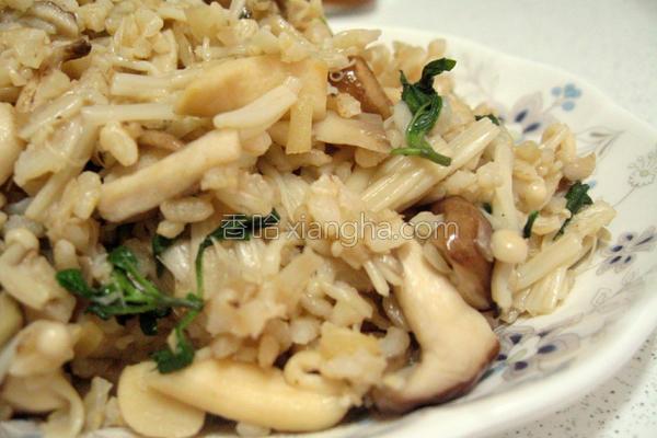 塔香菇菇炒饭的做法