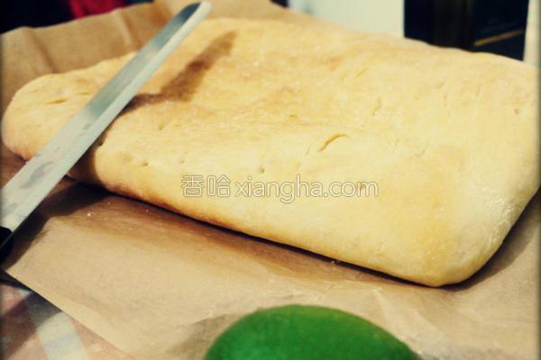 意大利扁圆面包的做法