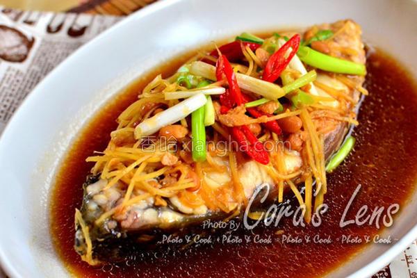 豆酱姜丝煮海鲈鱼的做法
