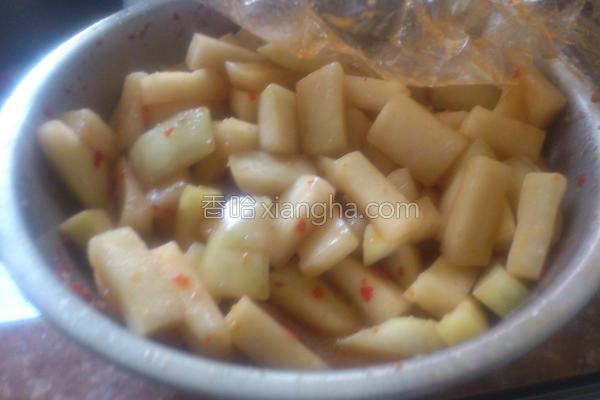 香辣酱腌大头菜的做法
