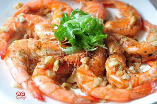 锅椒盐奶油烤虾的做法