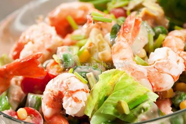 鲜虾杂菜沙拉的做法