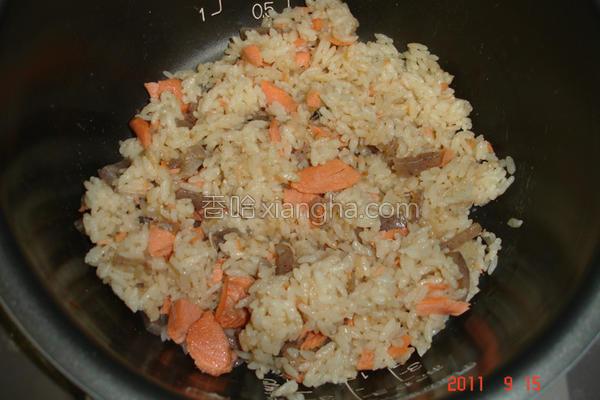 煮鲑鱼饭的做法