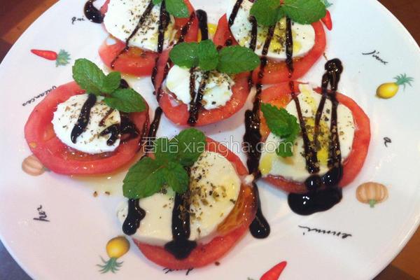 牛番茄佐马扎瑞拉的做法