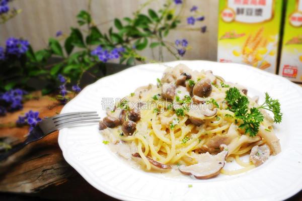 白酱菌菇意大利面的做法