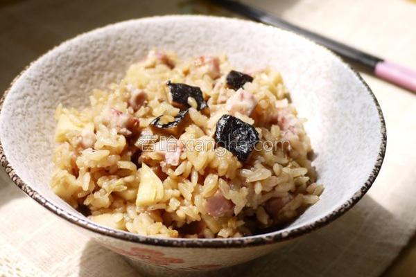 鲜笋香芋饭的做法