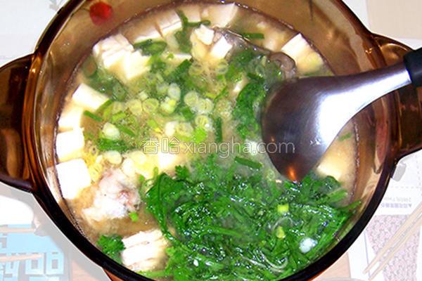 味噌豆腐鲜鱼汤的做法