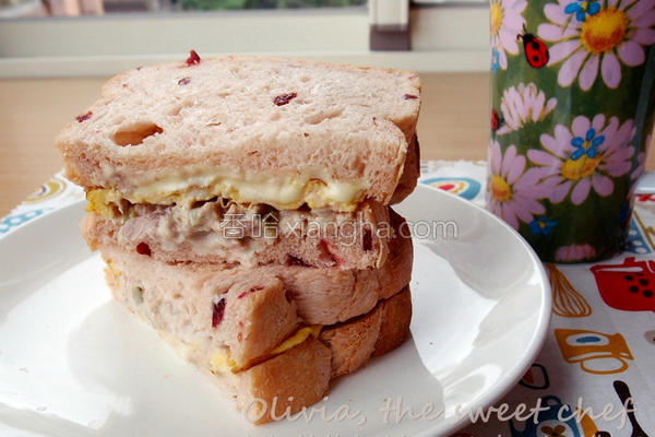 鲔鱼起司蛋三明治的做法