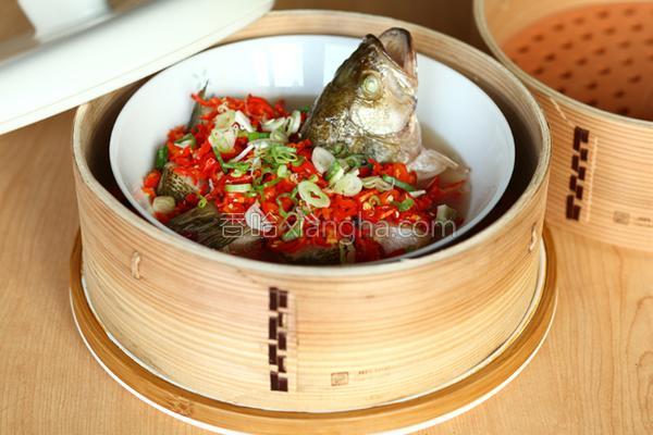 剁椒蒸鲜鱼的做法