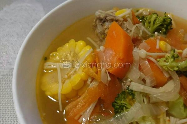 蔬菜洋葱排骨汤的做法