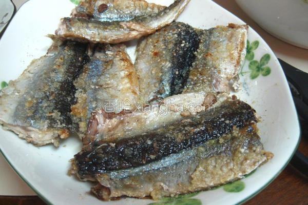 酥脆秋刀鱼的做法