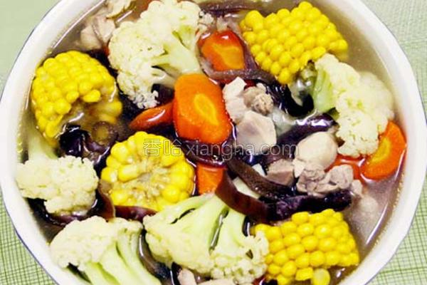 白花椰炖鸡肉汤的做法
