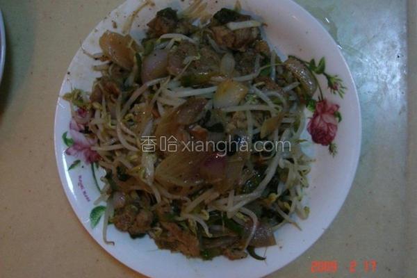 炒洋葱肉丝豆芽菜的做法