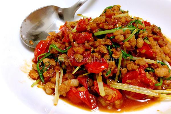 水菜炒猪肉的做法