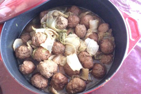 白菜烩肉丸的做法