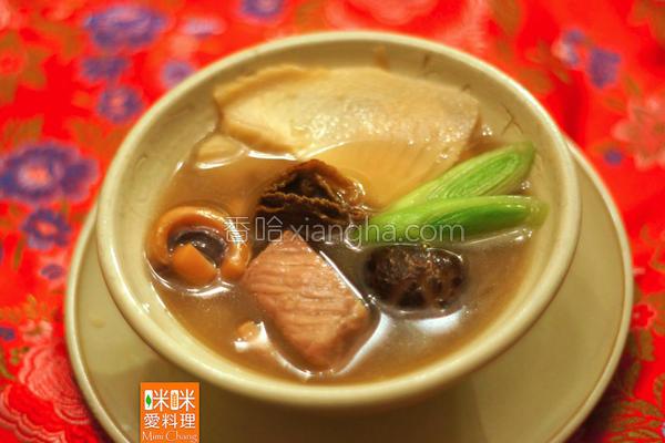 冬笋鱿鱼螺肉蒜汤的做法