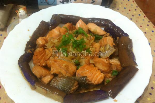 鲑鱼茄子烧的做法
