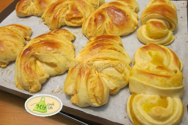 自制奶酥花面包的做法