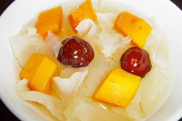 木瓜银耳红枣甜汤的做法