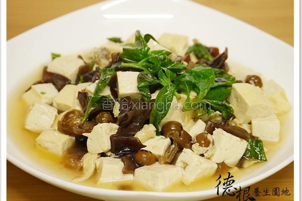 木耳炒树子豆腐的做法
