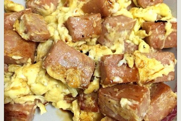 午餐肉炒蛋的做法