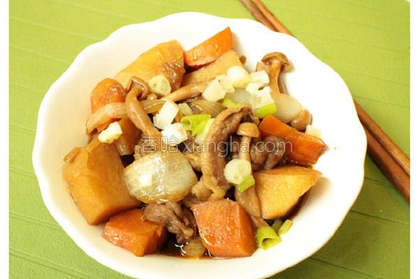 马铃薯菇菇炖肉的做法