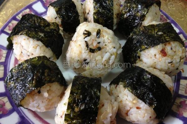 鲔鱼凤梨饭团的做法