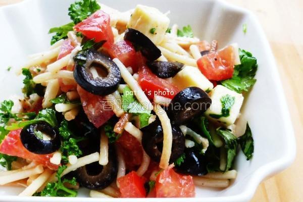 橄榄义面沙拉的做法