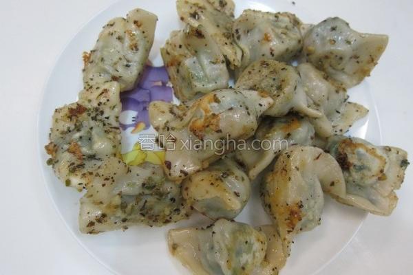 蒜香胡椒煎饺的做法